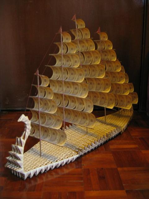 向下看可以用来折千纸鹤纸船等手工作品的纸是什么纸简单的手工纸就